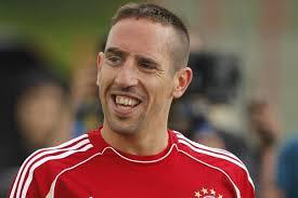 Kinderdienst: Fussballer Franck Ribery will noch lange beim FC Bayern ...
