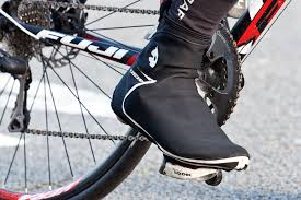 The best <b>cycling overshoes</b>: toasty toe covers for autumn and winter ...