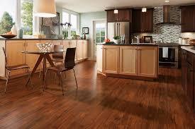 Sàn gỗ Giáng Hương là dòng sàn gỗ tự nhiên có chất gỗ quý