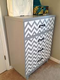 taking a plain dresser and mixing it up with chevron wwwtommyandelliecom chevron painted furniture