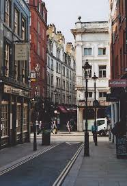 england style steps: the winding backroads and alleyways of covent garden just a few steps away from maggie