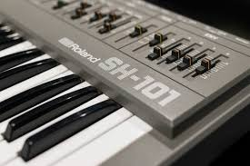 Instrumental Instruments: <b>Roland SH</b>-<b>101</b>   Red Bull Music Academy ...