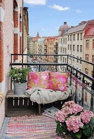 the condominium balcony becomes chic 9 delicious veranda with white and bright colors 10 the elegance of the fabrics boho chic furniture