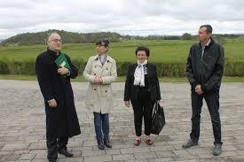dr drago Štambuk posjetio liku gs press ugledni liječnik pjesnik esejist ambasador i neumorni promicatelj hrvatske dr drago Štambuk ponovno je posjetio liku jutros je u pratnji predsjednice