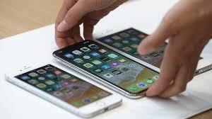 <b>Аксессуары</b> для смартфона: наушники, чехол, <b>защитное стекло</b> ...