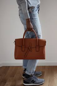 capsule wardrobe daily uniform guide aja nicole edmond french writer stendhal once stated that only great minds can afford a simple style why not showcase your confidence and intellect by creating a daily