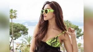 Cannes <b>2019</b>: Deepika Padukone is too hot to handle in <b>glamorous</b> ...