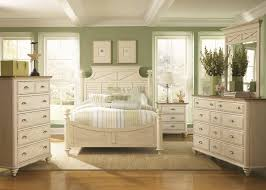 traditional white bedroom furniture light green wall painting color ideas best hardwood laminate flooring under soft carpets beautiful table lamp and mirror best hardwoods for furniture