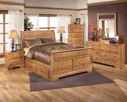 light pine bedroom furniture