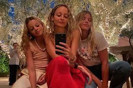 <b>Nicole Richie</b> and Sofia Richie pose for rare selfie together