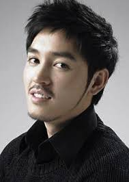 Name: 김동희 / Kim Dong Hee (Kim Dong Hui) Profession: Actor Birthdate: 1979-June-06. Height: 178cm. Weight: 68kg. Family: Older sister/actress Kim Hye Soo ... - Kim-Dong-Hee