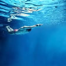 Resultado de imagen de piscina perdiendo agua