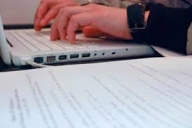 common application essay one tips  your storystudent typing   nicole abalde   flickr
