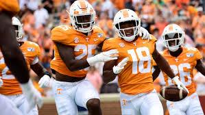 Tennessee football: Vols beat Chattanooga, 3 UT quarterbacks play