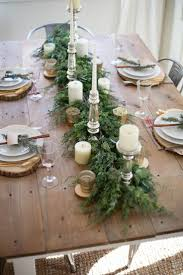 Holiday Dining Room Decorating 1000 Ideas About Christmas Table Decorations On Pinterest
