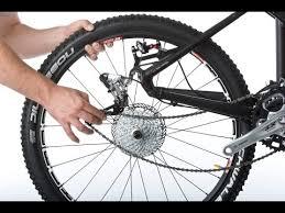 Как снять заднее <b>колесо</b> велосипеда - YouTube