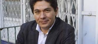 """Villalobos: """"El humor es una forma de entender la realidad y un arma contra el poder"""". Juan Pablo Villalobos. El autor mexicano Juan Pablo Villalobos en ... - 85673-620-282"""