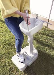 <b>Portable Outdoor</b> Sink with 19L Water Capacity Rolling Wheels ...