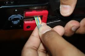 Hasil gambar untuk menjepit connector ke tang crimping