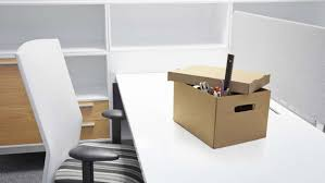 why employees resign recognising disengagement and what to do empty desk