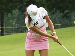 「ゴルフ パッティング 女子 画像」の画像検索結果