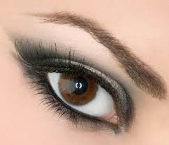 tips or we can say out as makeup ideas for the brown eyes follow with these