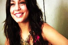 Chambre de <b>Selena Vanessa</b> Ariana Lucy et Safia - %3Fc%3Disi%26im%3D%252F7678%252F86577678%252Fpics%252F3139326682_1_4_ZfMO4GsD