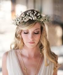 Pin on CHEVEUX FLEURIS | <b>FLOWERS</b> IN HER <b>HAIR</b>