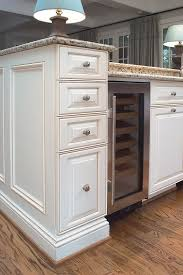 upper kitchen cabinets pbjstories screenbshotb: details they do matter when it comes to molding hometalk