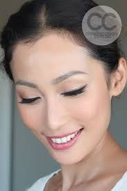 beautiful simple bridal makeup with a slight cat eye for some vine flair