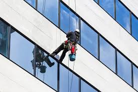 How Do Skyscraper Windows Get Clean? » Science ABC