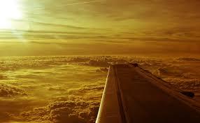 Resultado de imagem para sol sobre nuvens