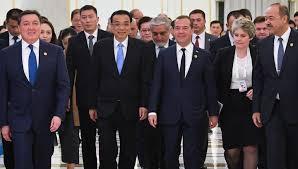 Медведев поддержал переход на взаиморасчеты в нацвалютах ...