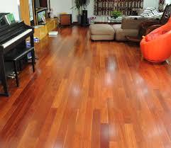 Sàn gỗ Gõ Đỏ, loại sàn gỗ tự nhiên thường lắp đặt theo kiểu khung xương