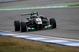 Первую гонку <b>этапа</b> «Формулы-<b>3</b>» в Великобритании выиграл ...
