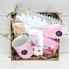 ежедневник, <b>кружка</b>, карандаши, открытка, шоколад, маска для ...