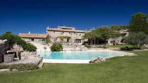 mas de la rose luxury hotel and restaurant in orgon provence auberge du mas de la