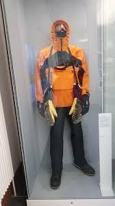 Extreme <b>cold</b> weather <b>clothing</b> - Wikipedia