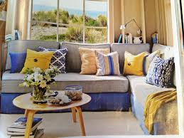 Bedroom For Two Twin Beds 17 Best Ideas About Twin Bed Couch On Pinterest Headboards For