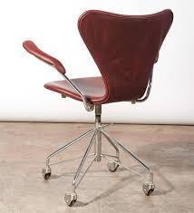 arne jacobsen vintage office chair model 3217 5 arne jacobsen office chair