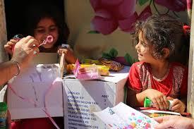 TRT World yetimlere bayram hediyesi dağıttı