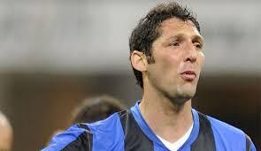 Marco Materazzi hat seinen Vertrag bei Inter Mailand verlängert.