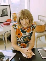tour anna wintours workspaceand shop her chic office dcor chic office decor
