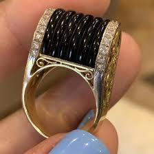 <b>Золотое кольцо с ониксом</b> и бриллиантами 12.2 гр – купить в ...