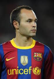 Andrés Iniesta Luján (Fuentealbilla, Albacete, España, 11 de mayo de 1984) es un futbolista español. Juega de centrocampista en el F. C. Barcelona de la ... - Andres-Iniesta-pics