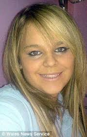 Amy Wright jumped to her death at Pontcysyllte bridge in North Wales. A heartbroken girl jumped to her death after a text row with her boyfriend - and left ... - article-1346847-0CBF4295000005DC-388_233x365