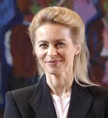 <b>Ursula von der Leyen</b> kann sich erstmal freuen… Quelle: www.bundesregierung. <b>...</b> - Ursula-von-der-Leyen