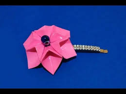 Origami necklace. <b>Easy</b> to do! 3d origami flower. Enjoy! - YouTube ...