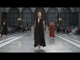 Spring <b>Summer 2020 Fashion</b> Show   Victoria Beckham
