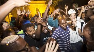 Image result for قیام سراسری سیاهان علیه پلیس نژادپرست آمریکا
